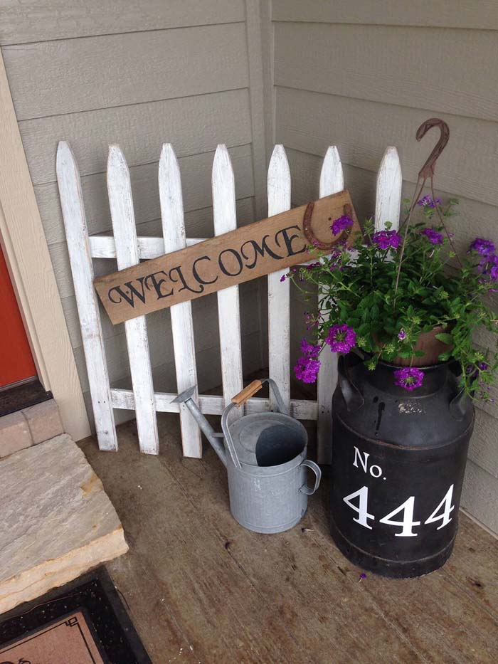 Mini White Picket Fence, Metal Watering Can #rustic #springdecor #porch #decorhomeideas