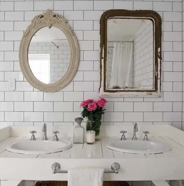 Subway Tile With a Touch Of Vintage Styles #bathroom #whiteshowertile #decorhomeideas