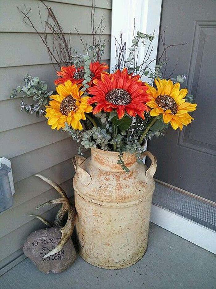 Sunflowers in a Milk Can #rustic #porch #vintage #decorhomeideas