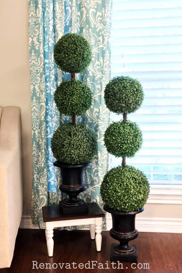 The Easiest DIY Topiary Trees on a Budget #springdecor #dollarstore #decorhomeideas