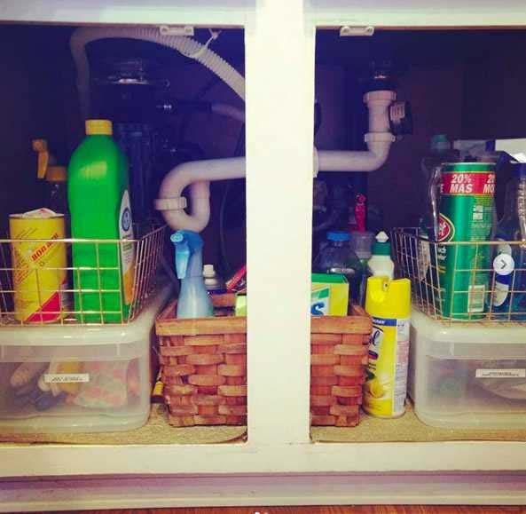 Under-Sink Bins #kitchen #hacks #organization #decorhomeideas