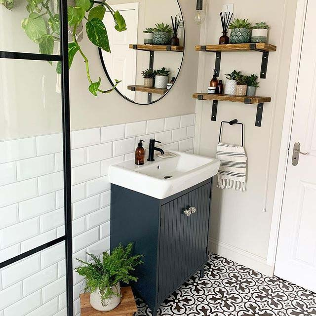 White Metro Tiles and Rustic Accents #showertile #bathroom #decorhomeideas