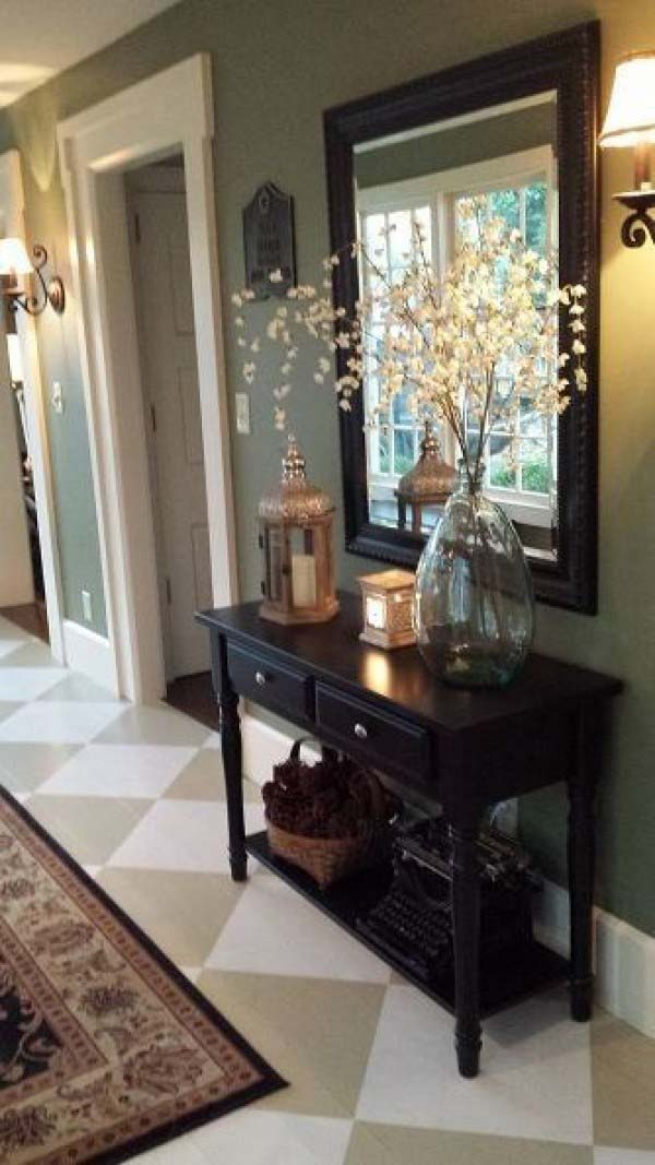 Blend Old and New Pieces #rusticentryway #farmhouse #decor #decorhomeideas