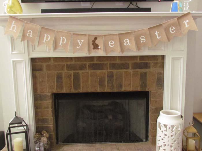 Classic Happy Easter Banner with Center Bunny #Easter #spring #vintagedecor #decorhomeideas
