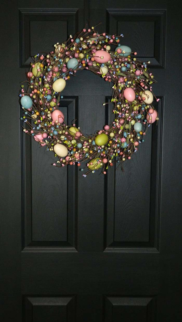 Colorful Egg and Berry Grapevine Wreath #Easter #spring #vintagedecor #decorhomeideas