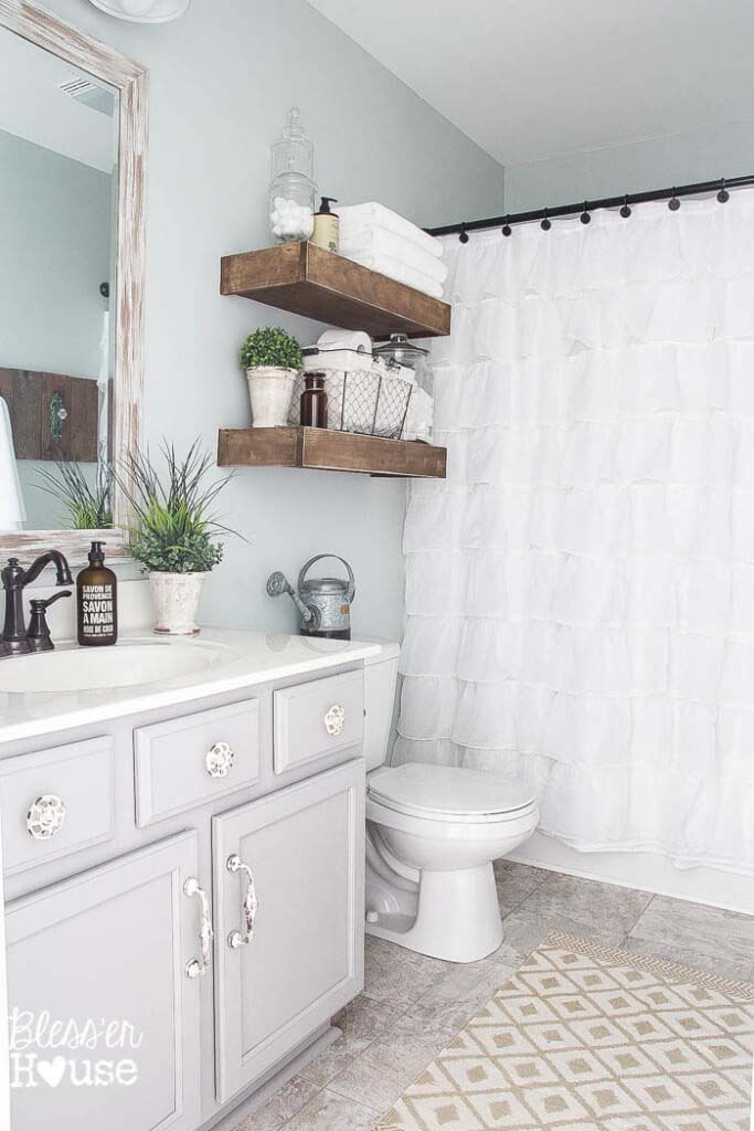 Easy DIY Wood Bathroom Shelves #shabbychic #bathroom #decorhomeideas