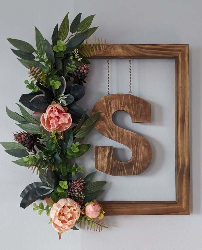 Framed Floral Wreath with Hanging Initial #floral #homedecor #decorhomeideas