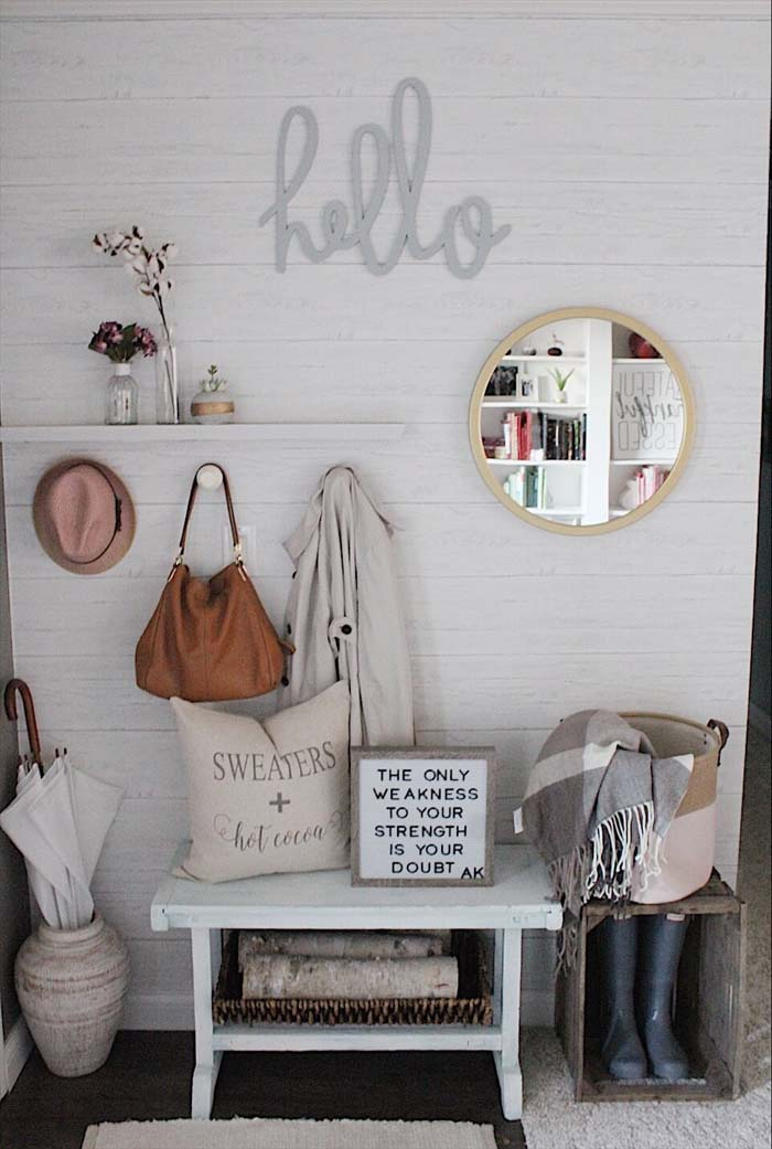Hello Hooks and Boot Crate #rusticentryway #farmhouse #decor #decorhomeideas