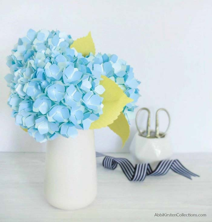 Hydrangeas Made from Metallic Paper #floral #homedecor #decorhomeideas