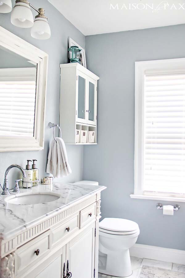 Immaculate Silver, Gray and White #smallbathroom #design #decorhomeideas