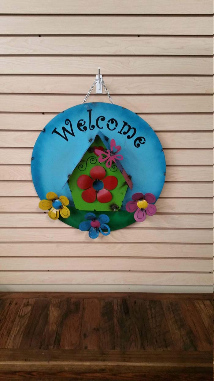 Metal Sign with Flowers and Bird House #Easter #sign #decorhomeideas