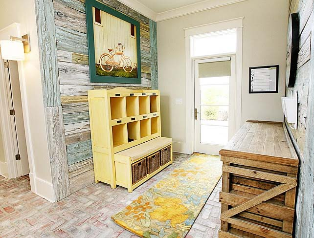 Mix Pieces with the Same Colors #rusticentryway #farmhouse #decor #decorhomeideas