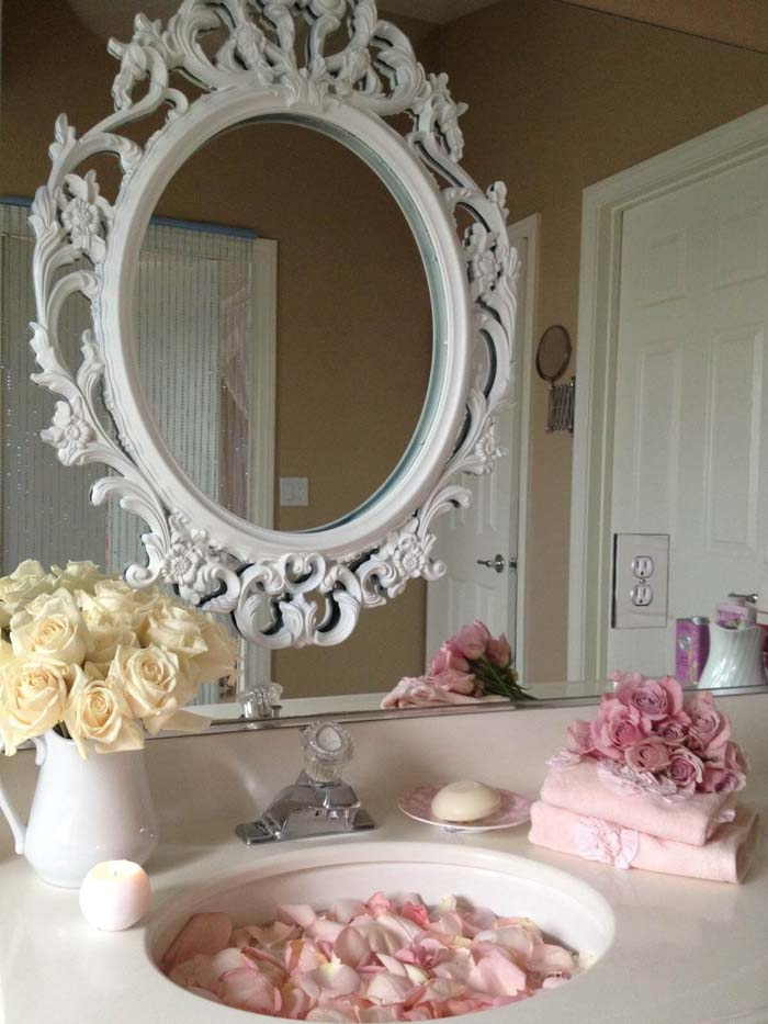 Pretty Vintage Above-Sink Mirror Frame #shabbychic #bathroom #decorhomeideas