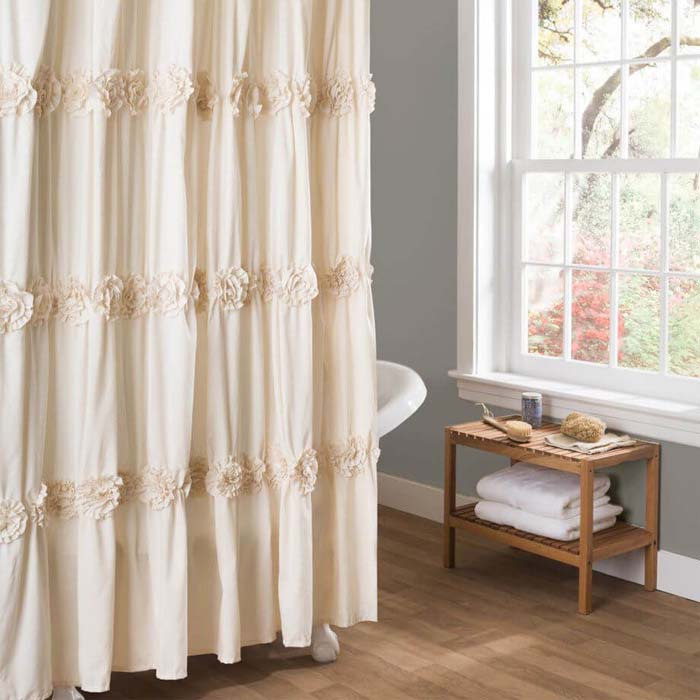 Shabby Chic Rosette Bath Tub Curtain #shabbychic #bathroom #decorhomeideas