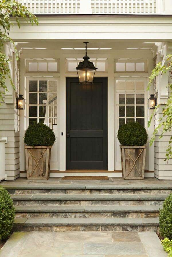 Southern Country Home Styled Front Door #farmhouse #frontdoor #decorhomeideas