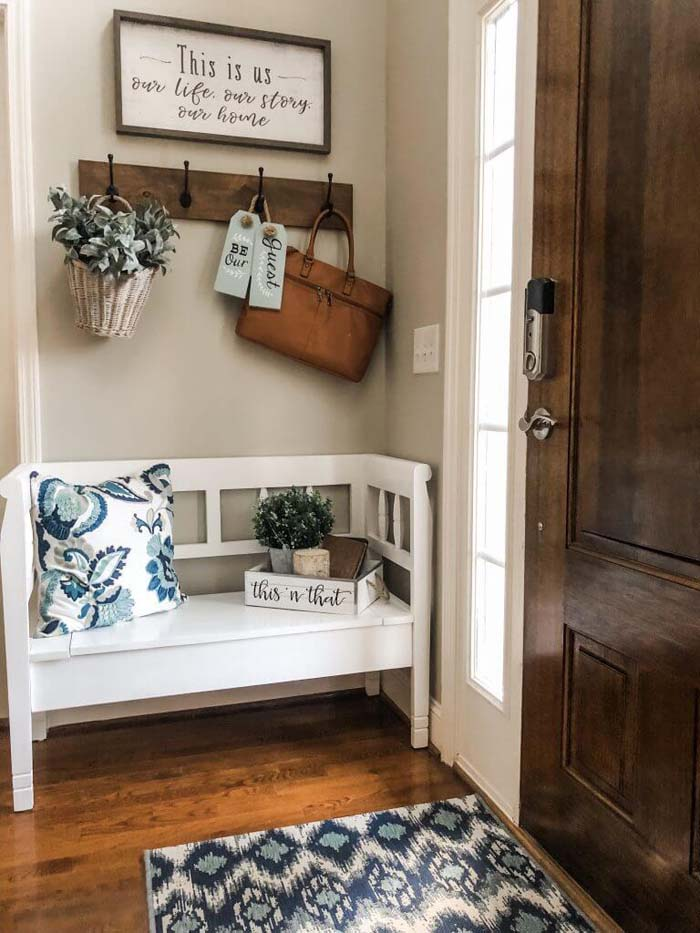 Warm Welcome with Blue and Brown #rusticentryway #farmhouse #decor #decorhomeideas