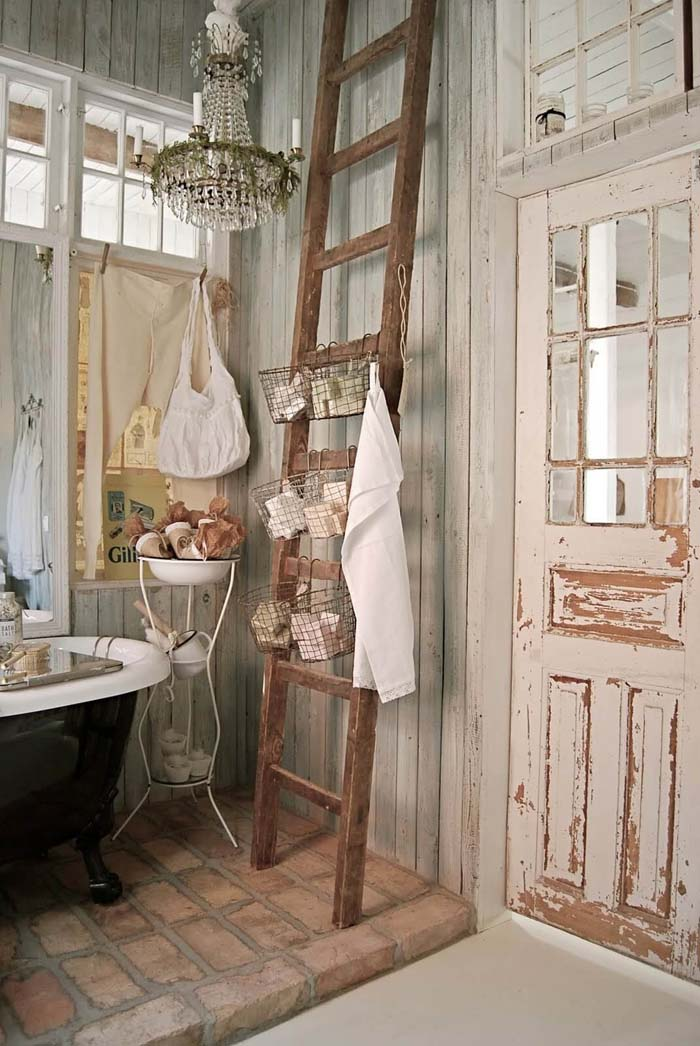 Wood Ladder Basket Bathroom Storage #shabbychic #bathroom #decorhomeideas