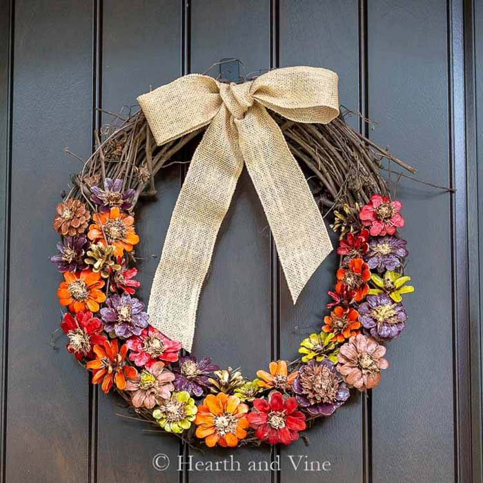 Wreath with Hand-Painted Pinecone Flowers #floral #homedecor #decorhomeideas