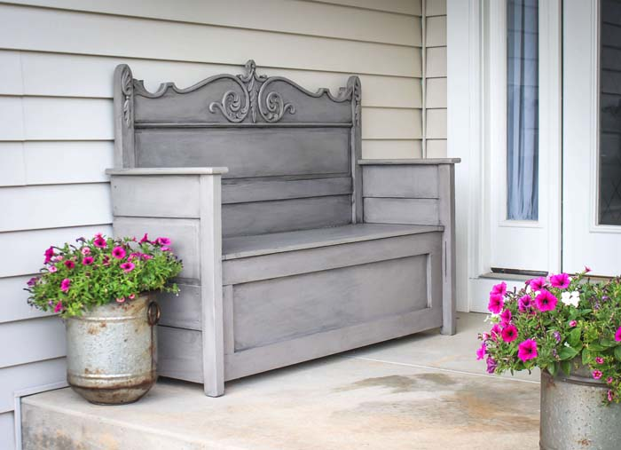 Antique Up-Cycled Head-Board Bench #diy #outdoorbench #decorhomeideas
