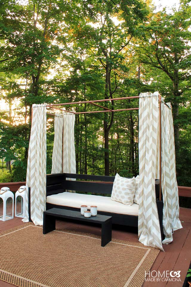 Exotic and Luxurious Canopy Bench #diy #outdoorbench #decorhomeideas