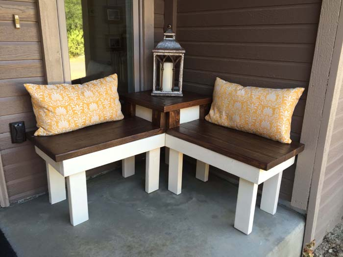 Innovative Corner Bench with Built-In Side Table #diy #outdoorbench #decorhomeideas