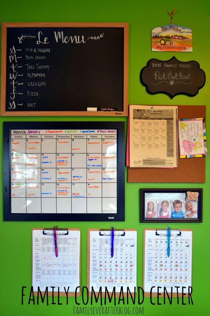 Command Center Decor for Upcoming Plans and Events #commandcenter #organization #diy #decorhomeideas