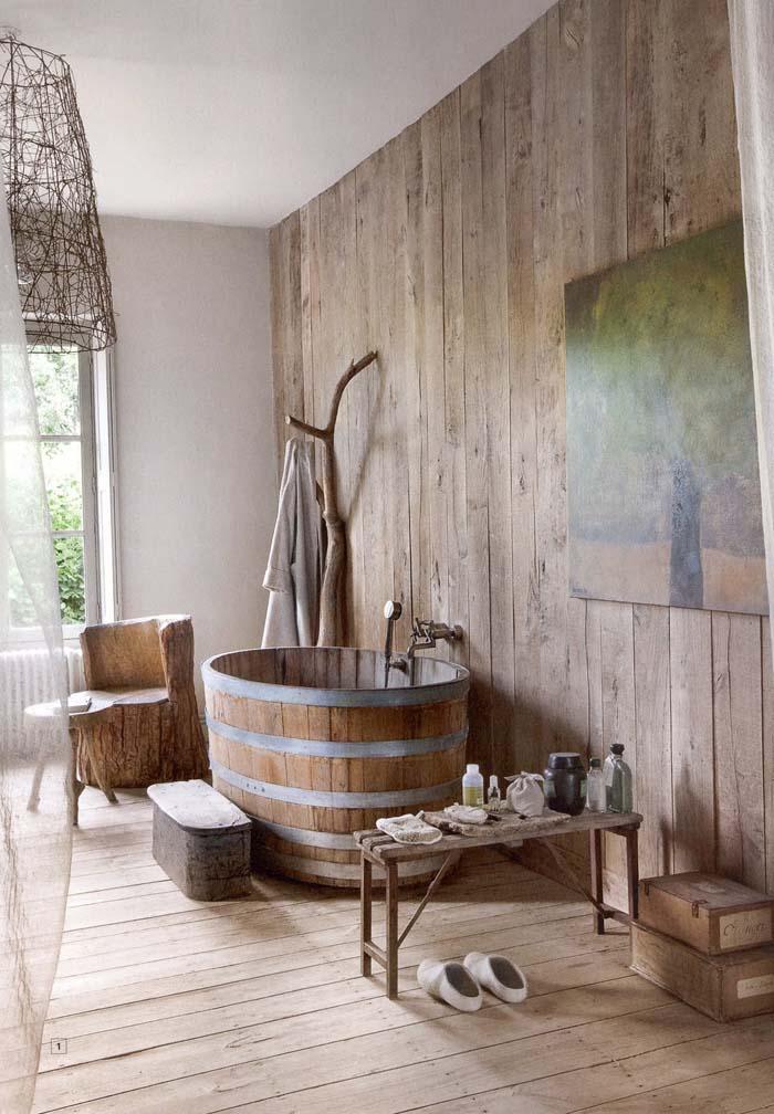Giant Half-barrel Soaking Tub #rusticbathroom #rusticdecor #decorhomeideas