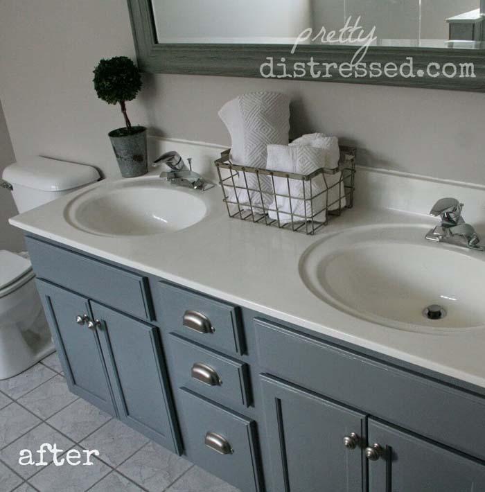 Gray Blue Budget-Friendly Bathroom Update #rusticbathroom #rusticdecor #decorhomeideas