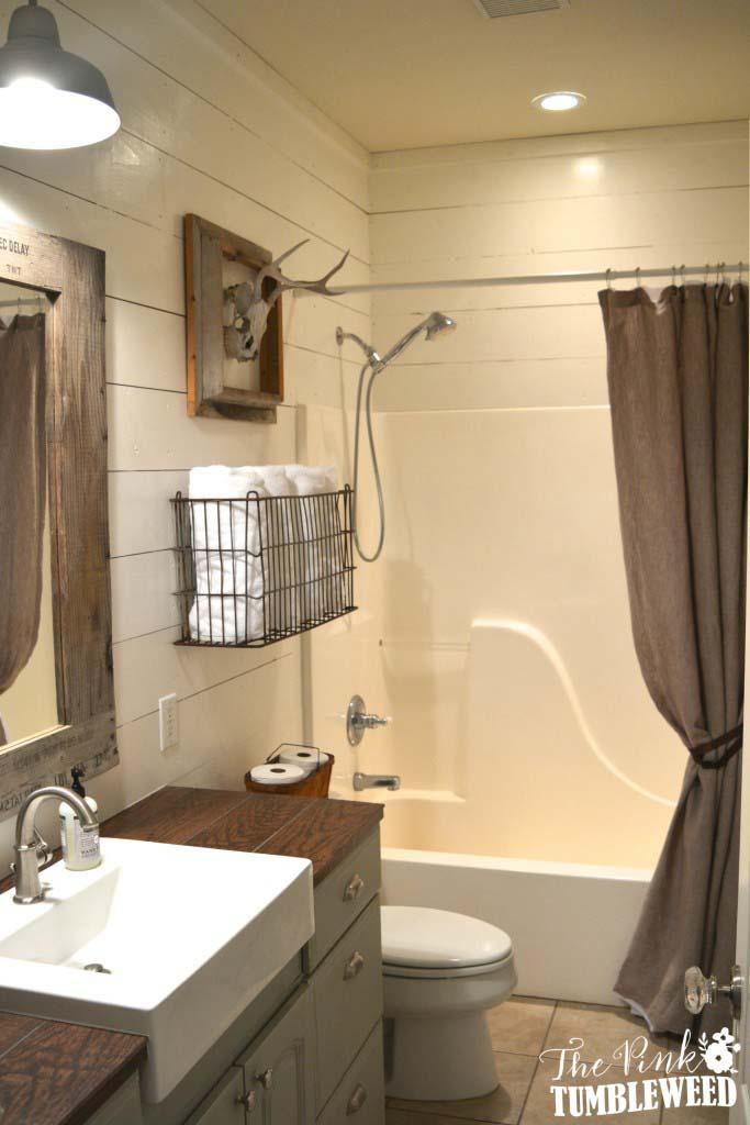 Hunter's Bathroom Featuring Shiplap and Hunting Trophy #rusticbathroom #rusticdecor #decorhomeideas