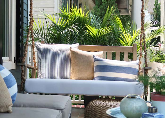 Porch Swing Chain with Rope #gardenswing #swingplans #decorhomeideas