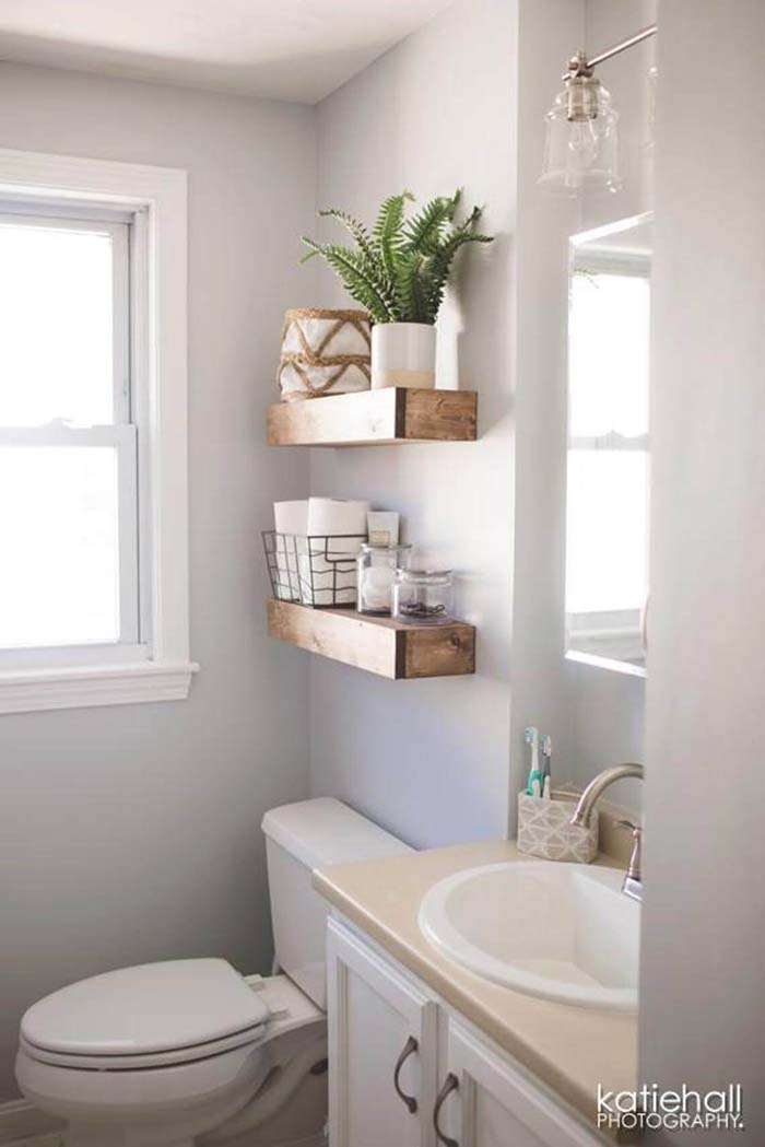 Simplicity in Wires and Wood #rusticbathroom #rusticdecor #decorhomeideas
