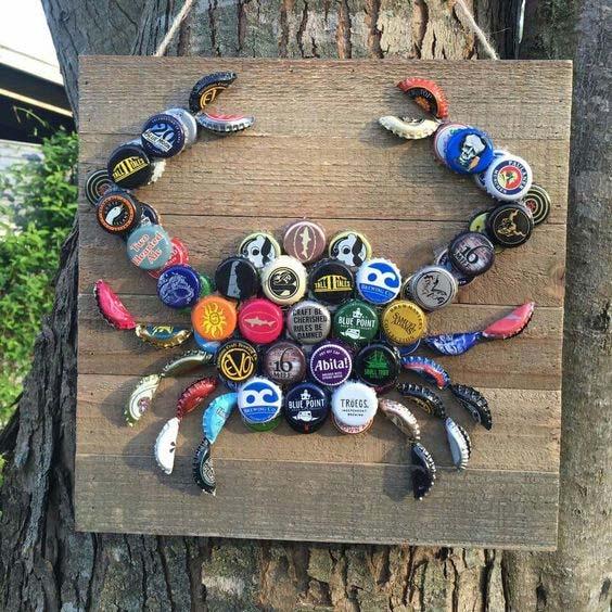 Bottle Cap Crab #pooldecorideas #diypooldecor #decorhomeideas