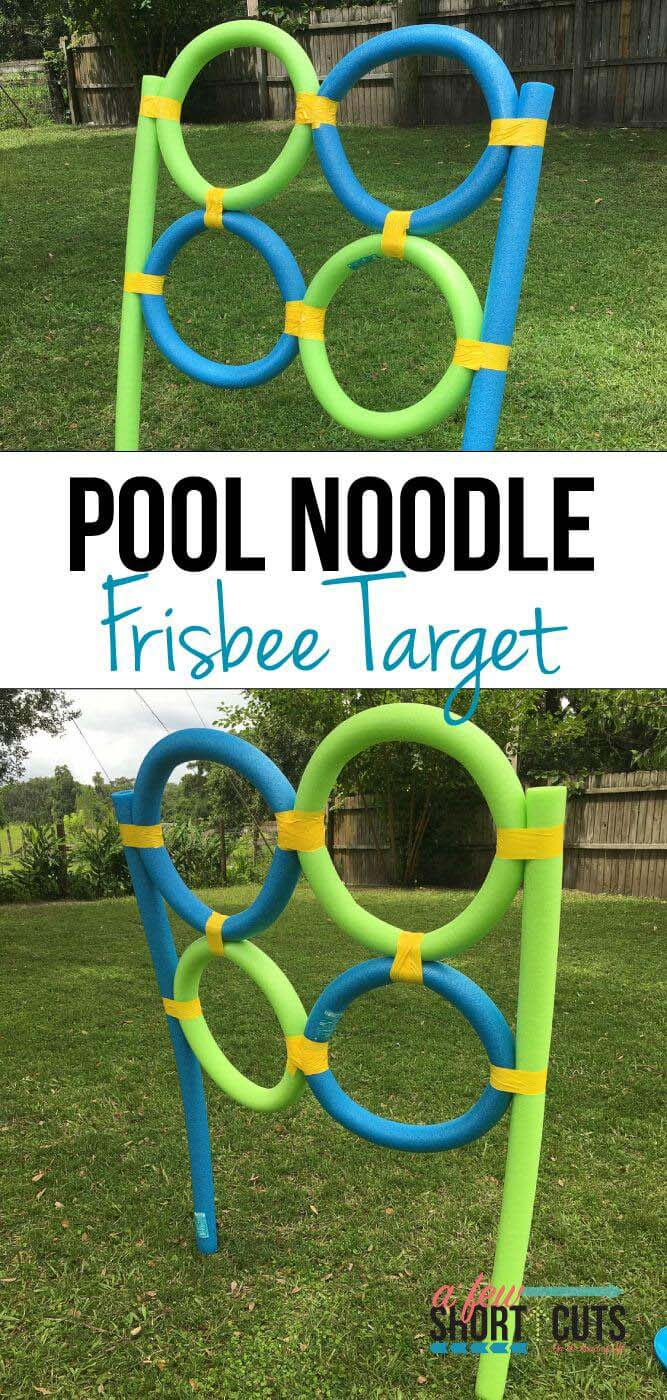Pool Noodle and Frisbee Toss Game #diybackyardgames #outdoorgames #decorhomeideas
