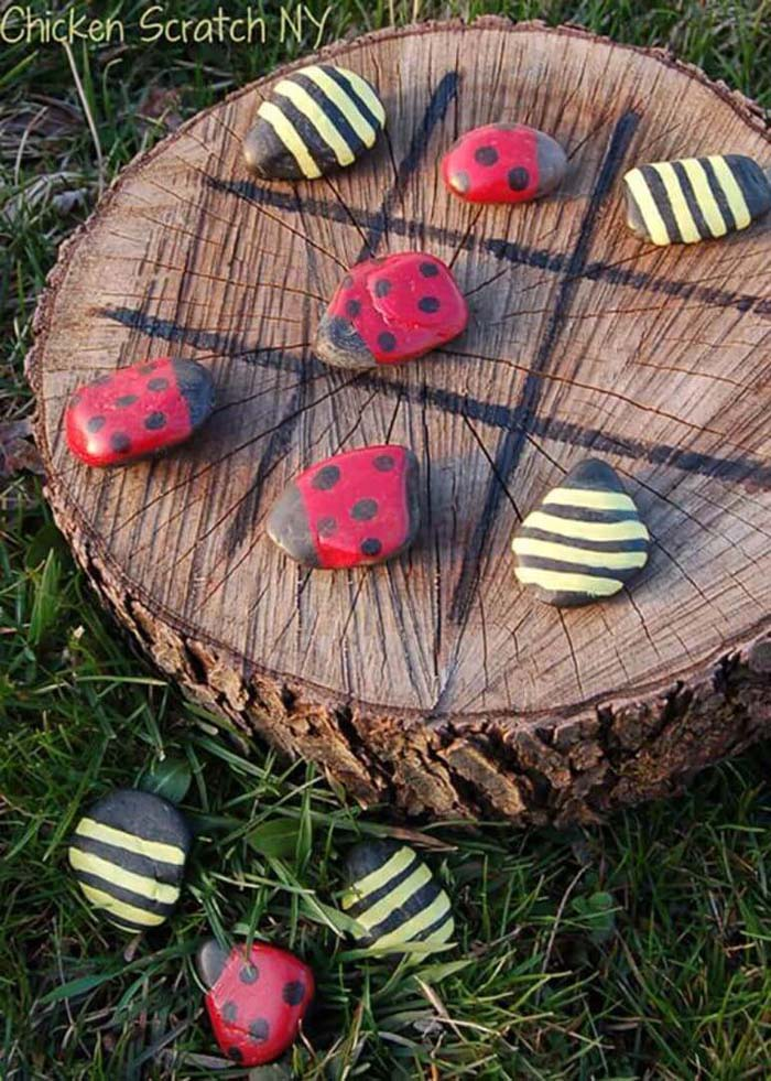 A Tic-Tac-Toe Board with Ladybugs and Bumble Bees #backyardkidsgames #diybackyardgames #decorhomeideas