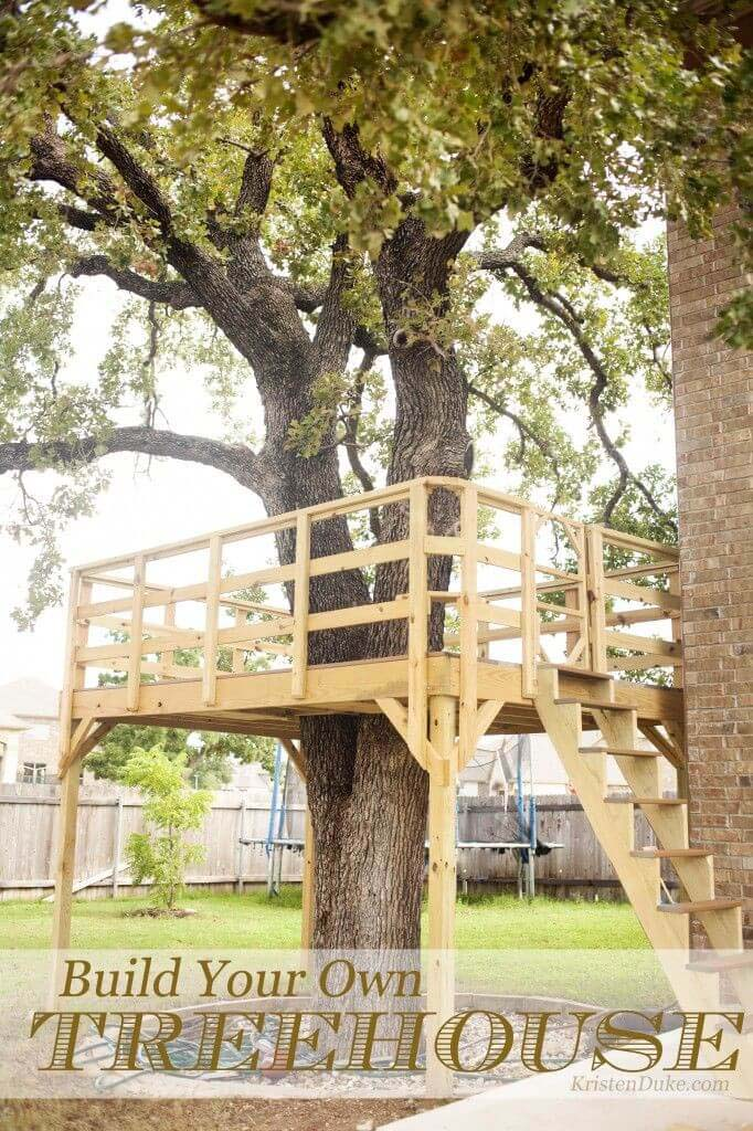A Treehouse with Easy to Climb Stairs #backyardkidsgames #diybackyardgames #decorhomeideas