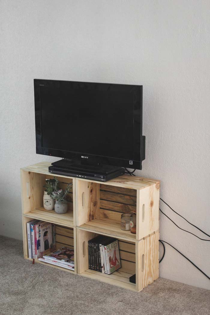 Crate Creations Stacked TV and Storage Stand #diywoodcrateprojects #diywoodcrateideas #decorhomeideas