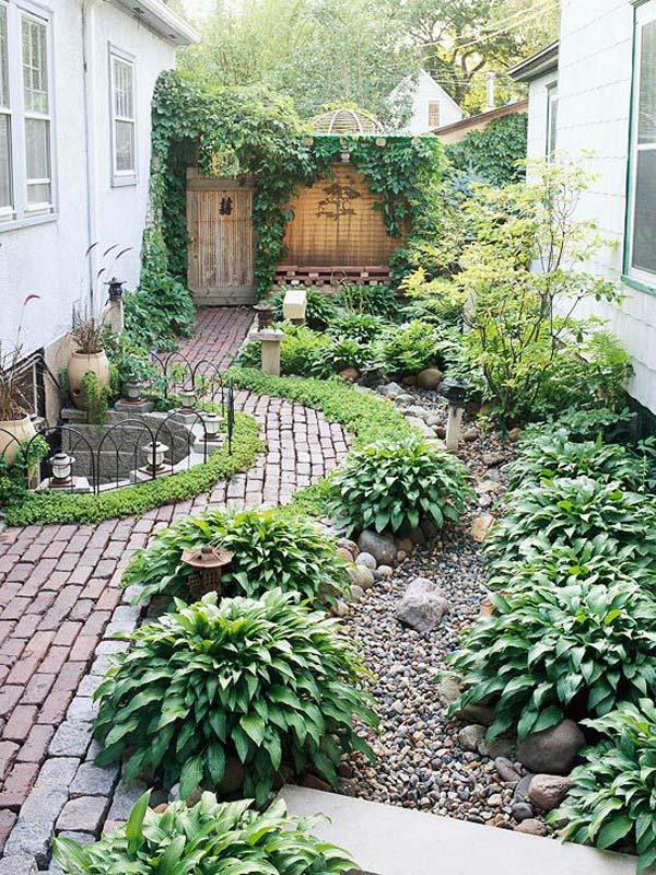 Dense Greenery and Manicured Paths #sideyard #sidegarden #decorhomeideas