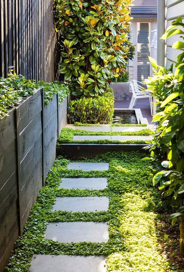 Green and Glorious Tiny Side Yard Idea #sideyard #sidegarden #decorhomeideas
