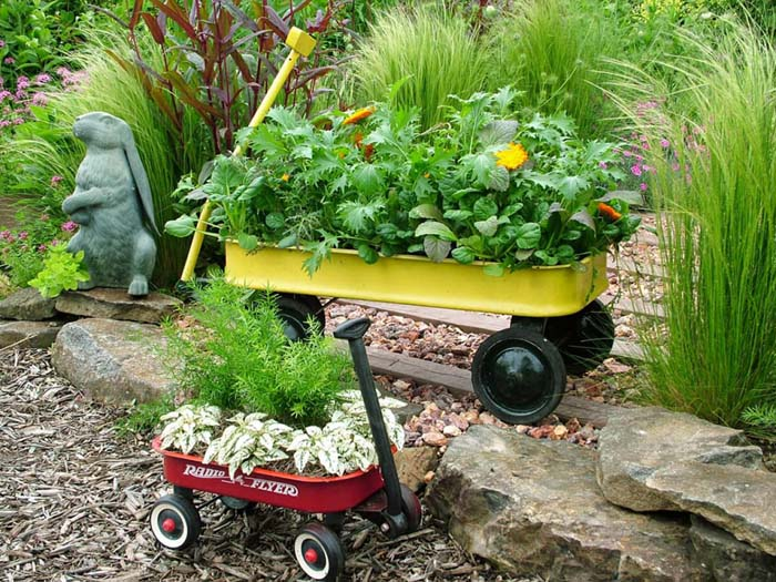 Little Metal Wagons with Flowers and Greens #repurposedplanter #repurposedcontainer #decorhomeideas