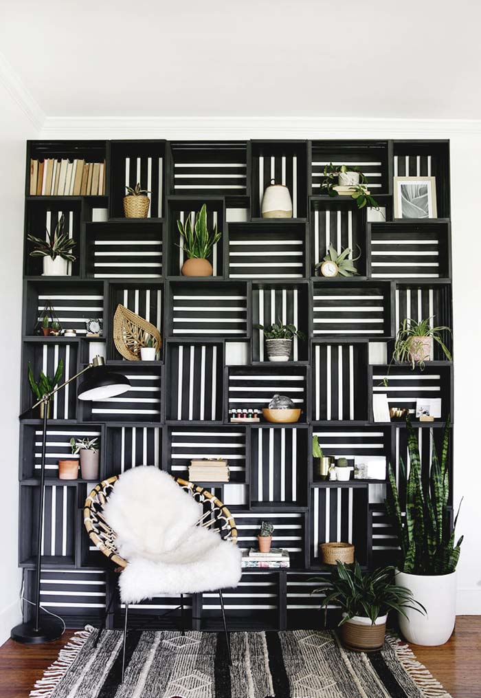 Make a Shelf Statement in Your Living Room #diywoodcrateprojects #diywoodcrateideas #decorhomeideas