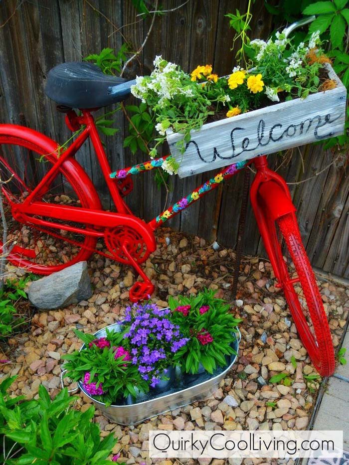 Painted Bicycle with a Handle Box #repurposedplanter #repurposedcontainer #decorhomeideas
