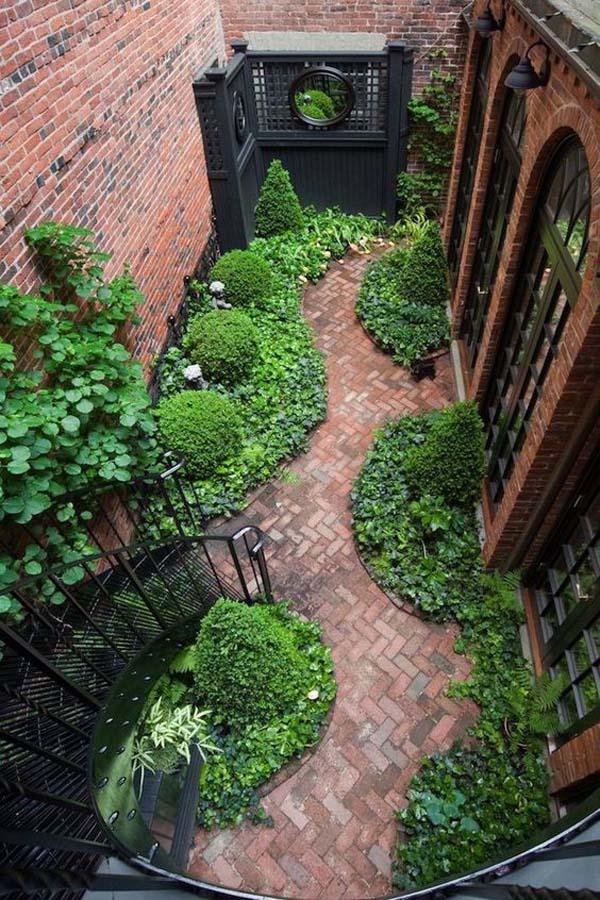 Red Bricks and Vibrant Greenery #sideyard #sidegarden #decorhomeideas