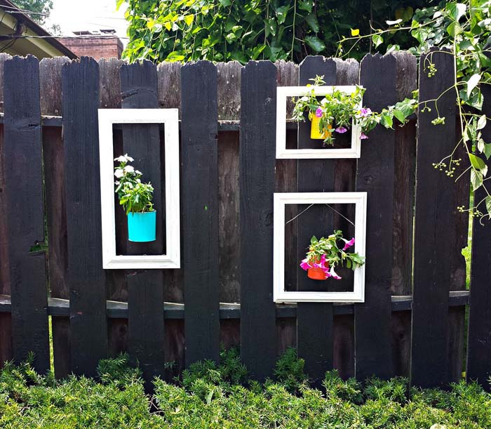 Hang Flowers in Upcycled Wooden Frames #gardenfencedecoration #decorhomeideas