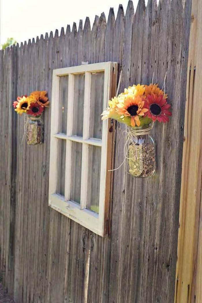 Reused Old Window with Charming Sunflowers #gardenfencedecoration #decorhomeideas