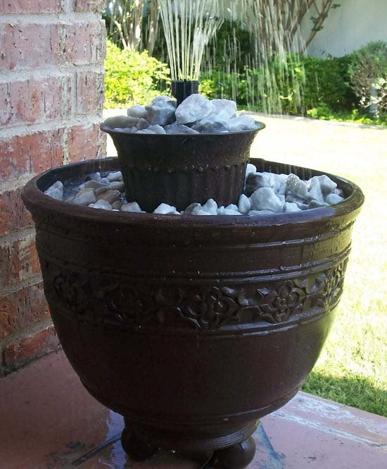 Award-Winning DIY Container Water Fountain Project #diywaterfountain #decorhomeideas