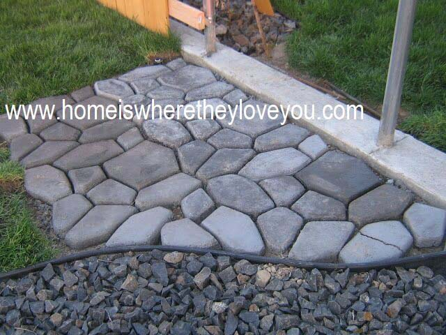 Create a Cobble Stone Pathway with Concrete #diycementprojects #decorhomeideas