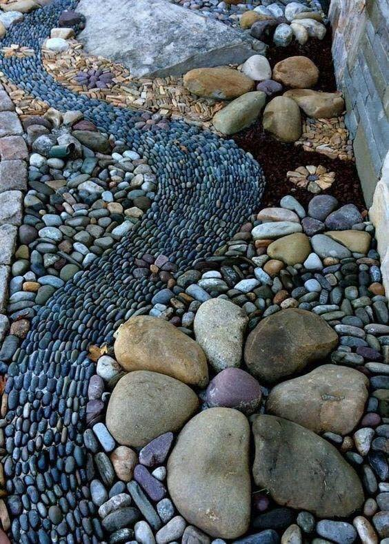 Dry Creek Bed Shaped By Various Stones #riverrocklandscaping #decorhomeideas