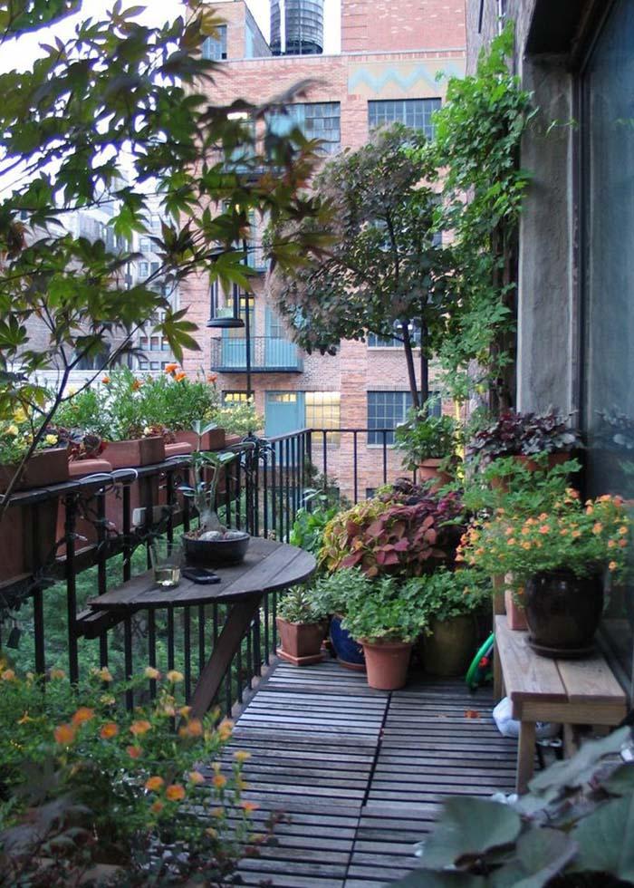 In a forest? Or on a balcony? #balconygarden #decorhomeideas