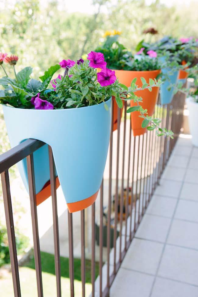 Rail Garden #balconygarden #decorhomeideas