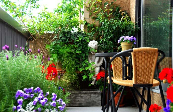 The Secret Garden #balconygarden #decorhomeideas